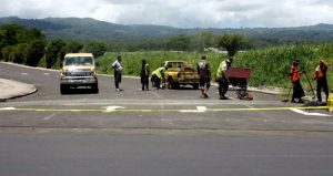 Samoan road workers make changes to lanes in 2009